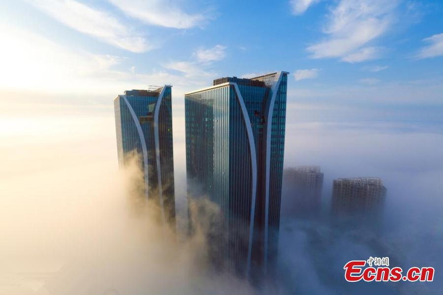 Amazing advection fog scene in E China's Shandong